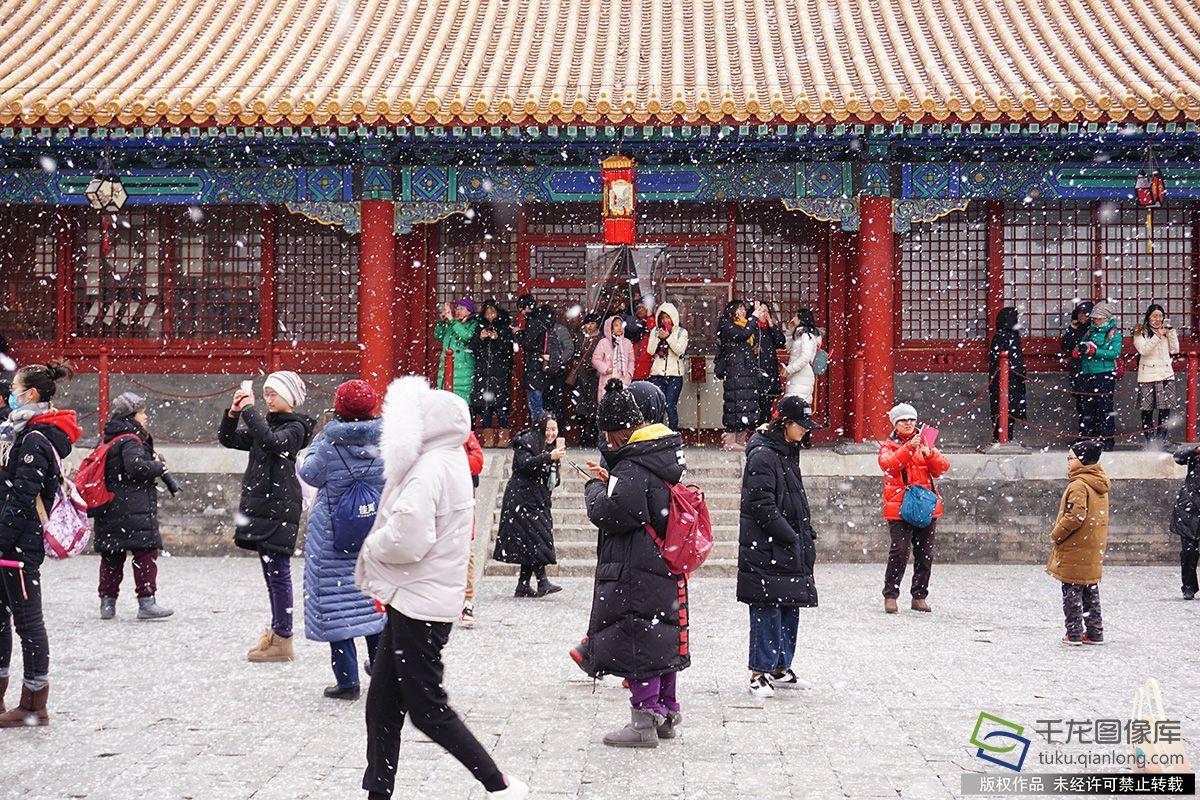 北京图见|京城万里晴空 残雪楼台意境浓