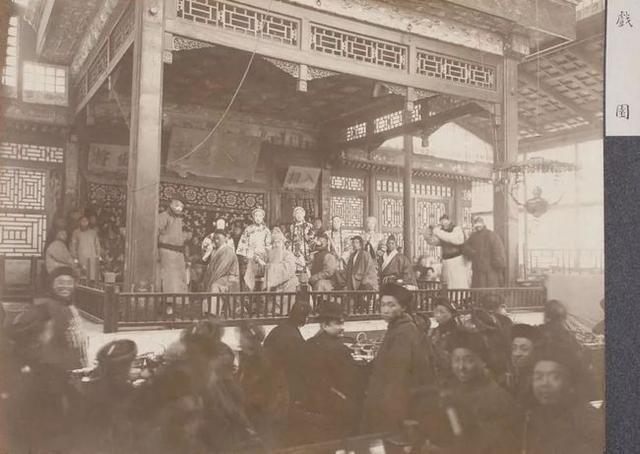老北京茶园开门三件事——看座沏茶、卖吃食、扔手巾把儿