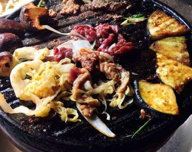 老北京生活,贴秋膘还得吃烤肉
